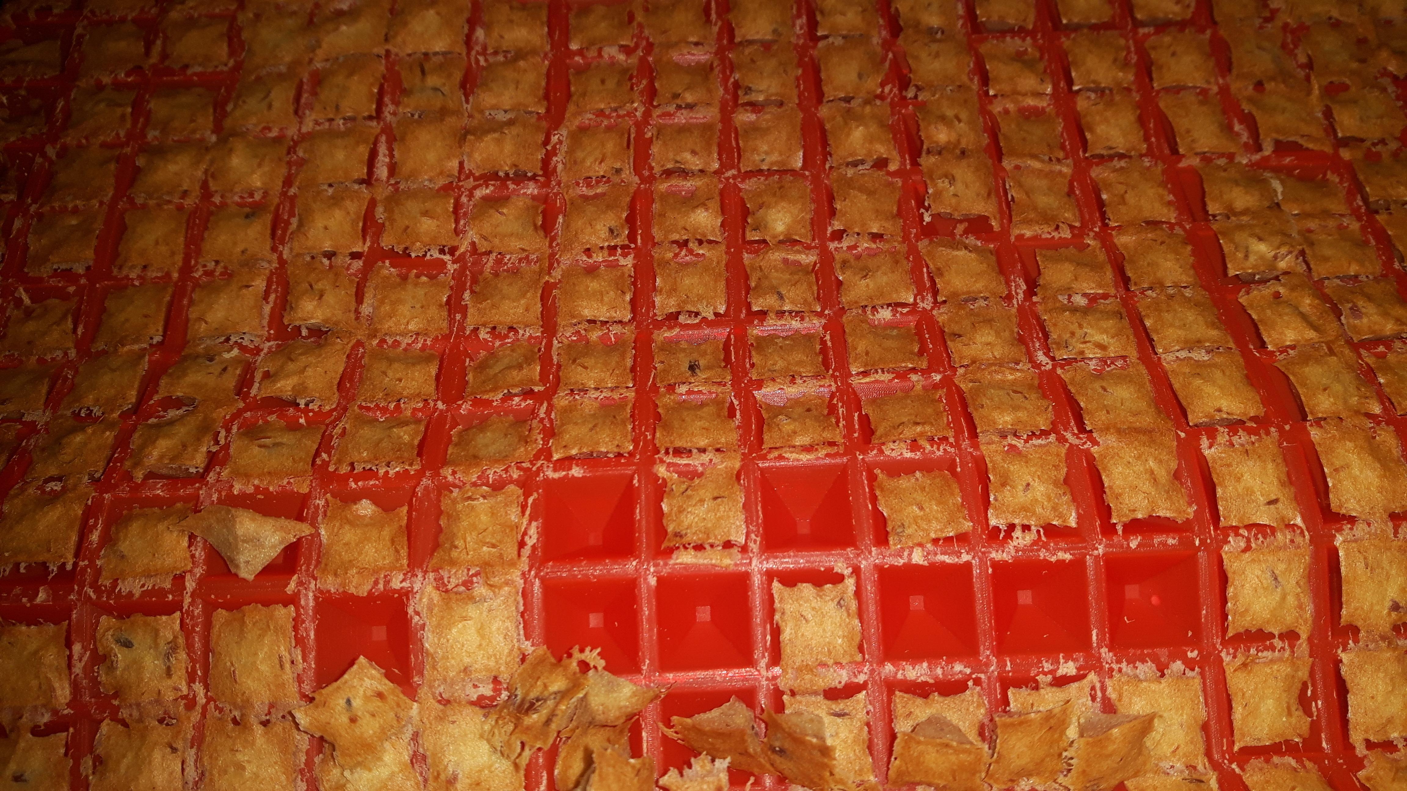 Leckerchen Thunfisch Käse selber machen Backmatte